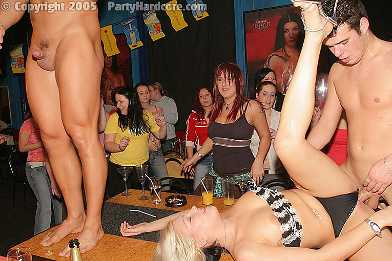 порно фото галереи в ночных клубах